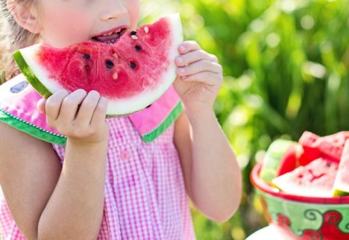 5-best-ways-to-help-your-child-stop-throwing-food