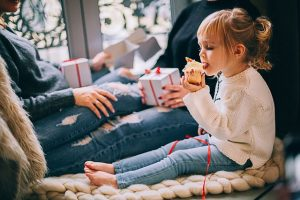5 best ways to help your child stop throwing food, 5 Best Ways to Help your Child Stop Throwing Food